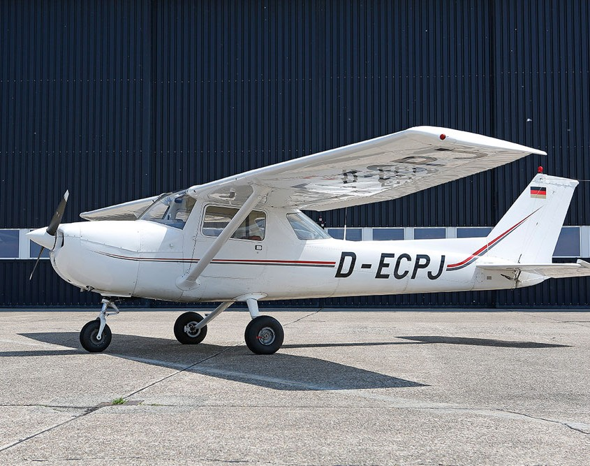 Cessna 150. Schulungsflugzeug der ISN Air Operations.